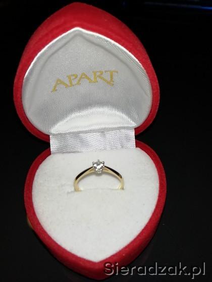 Pierścionek Zaręczynowy Z Brylantem Apart Sieradzakpl